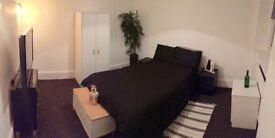 SUPERB EXTRA LARGE DOUBLE BEDROOM IN THE HEART OF CROUCH END /N8