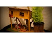 Treehouse-playground 100% handmade with real plant