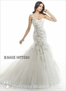 Maggie Sottero Wedding Gown For Sale !!