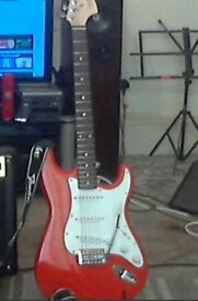 FENDER AFFINITY STRATOCASTER 4 months old only (RACE RED).
