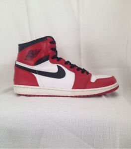 "Air Jordan Retro 1 ""Chicago"""