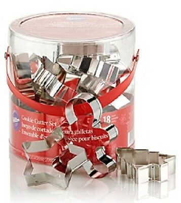 (Wilton Bakeware 18-pc Metal Christmas Holiday Cookie Cutter Set)