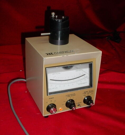AMINCO PHOTOMETER  J-7441 PHOTOMULTIPLIER Chem Glass