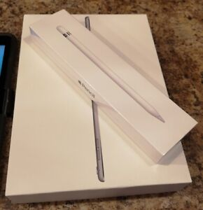 Excellent Condition iPad Pro 9.7 New Pen and Otterbox Case