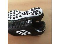 Umbro Speciali Eternal AG, Size 7, New in Box