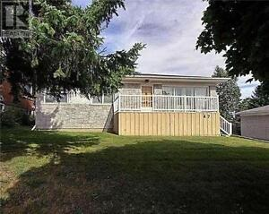 NEWMARKET THREE BEDROOMS HOUSE RENTAL,$1600/MONTH
