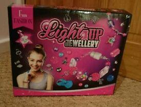 Light up jewellery set brand new