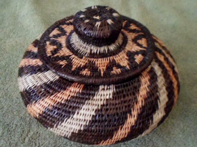Wounaan Embera Woven Classic Design Basket w/ Top-Panama 20120207mm
