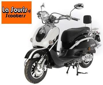 Sale! Futuro Retro Scooter | €725,- of lease €0,50 per dag