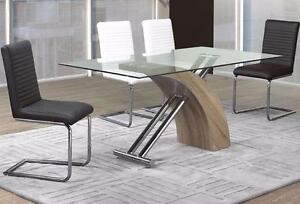 Chaises  chaises en bois, en tissu, métal, chaises hautes ..