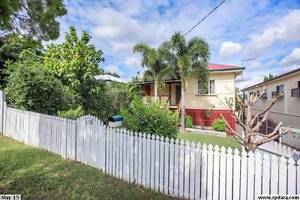 Pet friendly, air conditioned two bedroom home with covered enter Upper Mount Gravatt Brisbane South East Preview