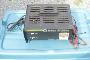15 Amp Motomaster Battery Charger