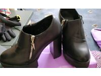 Boots size 5 -4.5