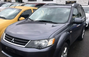 2007 Mitsubishi outlander AWD low km's