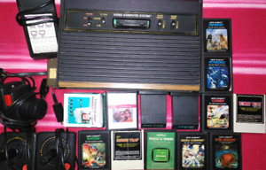 Atari 2600 with 12 games and xtras