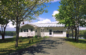 WATERFRONT HOME CASSILIS!
