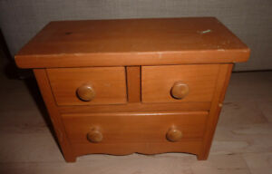 SMALL wooden table-top chest