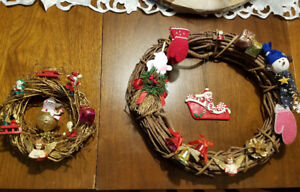 PAIR OF CHRISTMAS WREATHES - VERY GOOD CONDITION!
