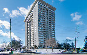 Central Waterloo Highrise Condo on 18th Floor
