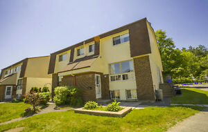 3 BED 2 BATH TOWNHOUSE FOR RENT IN BELLS CORNERS