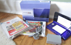 Nintendo 3DS XL mightnight purple with donkey kong country