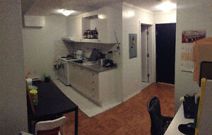 2 1/2 All in DOWNTOWN Lease transfer April 1st or 1 month sublet