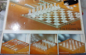 5th Avenue Crystal 3 in 1 Game Set, Chess, Checkers, Backgammon