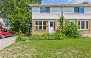 3bdrm Collingwood house available between Aug 16 - Sept 16th!