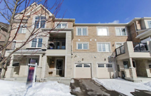 AURORA TOWNHOME FOR SALE