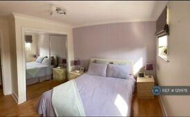 1 bedroom flat in Narrow Street, London, E14 (1 bed) (#1211978)