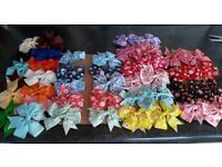 PACK OF 43 GIRLS/LADIES ALLIGATOR CLIP 3inch HAIR BOWS. PLAIN AND FLORAL