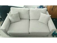 TWO SEATER SOFA. MODERN DESIGN.