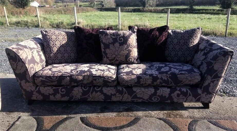 4+2 Sofa set from Dfs