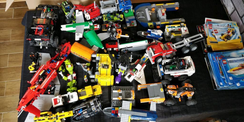 Massive 30kg Job Lot Of Lego Including Instruction Books And 200