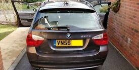 BMW 330D SE Estate. iDrive, Xenons, heated leather, folding mirrors, FSH, gearbox oil changed!