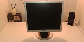 "Samsung 710N Monitor 17"" 1280x1024 VGA"