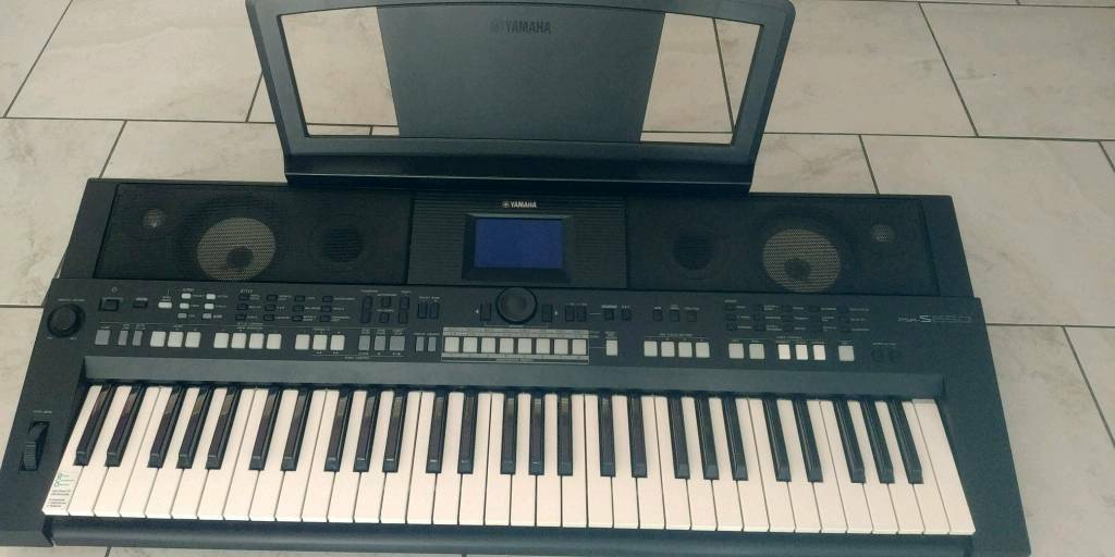 yamaha psr s650 great price was 280 in haverhill. Black Bedroom Furniture Sets. Home Design Ideas