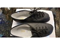 Bloch Jazz Lace up leather shoe. Bloch size 7.5. (UK Adult size approx 5).