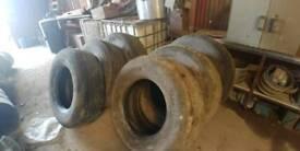 6 super single tyres. 385/65/22.5