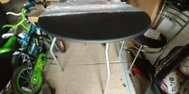 90 cm round table - brand new!