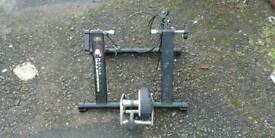 Gist magnetic bike trainer
