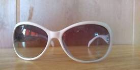 White ladies chanel sunglasses