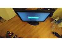SAMSUNG 32 INCH LCD FREE VIEW GOOD CONDITION