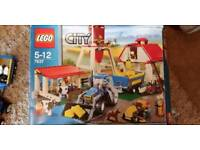 Lego city farm 7637 (with additional red tractor 7634) and combine harvester 7636