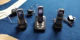 Panasonic KX-TG8521E DECT Digital Cordless Answering Phone with 3 Handsets