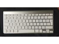 Apple Mac wireless keyboard A1314 great condition