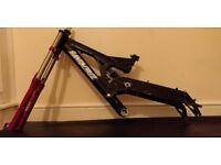 Santa Cruz Super 8 Frame + RockShox Boxxer + Chris King Headset + D521 Ringle Wheelset