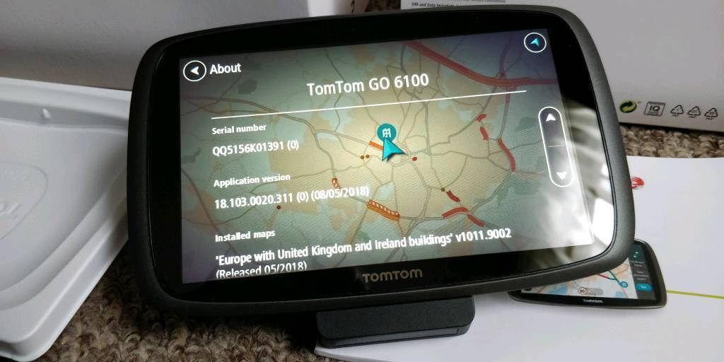 TomTom Go 5100 sat nav with lifetime world maps, speed cameras and