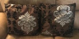 2x Cushions & Covers,