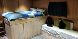 Canal Boat - Double bedroom ensuit in large widebeam - all bills included